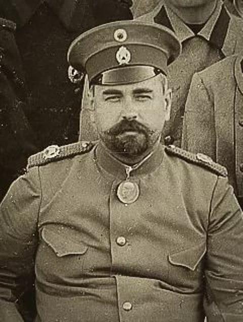 Михаил Фёдорович Щербаков (1871 - 1936). Озёрский фабрикант, меценат. Это по его указанию разработан проект строительства Узкоколейки. Часть дороги он успел построить