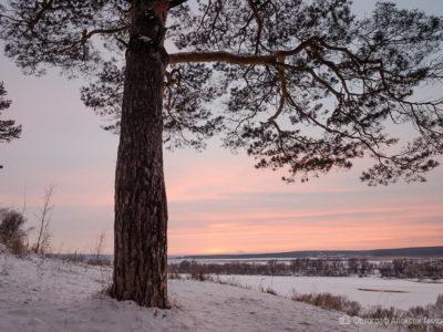 Закат на Ростиславле в объективах фотографов Анисимовых