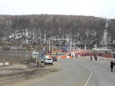 Мост через Оку снимают. Переправа будет организована после прохода льда