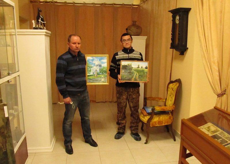 Художник Руслан Жураев готовит выставку своих картин